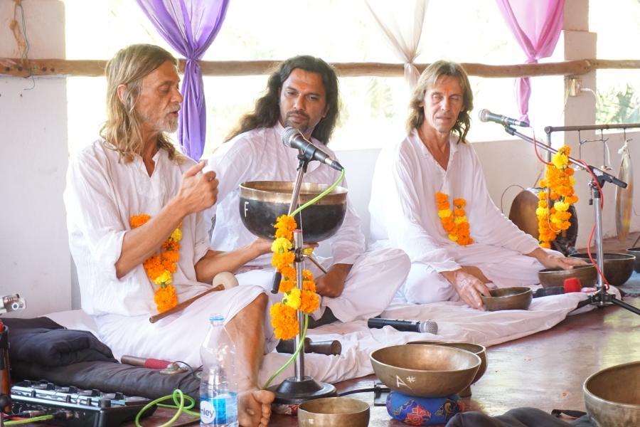 Sacred Sound healing tibetan singing Bowls shamans