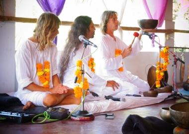 Sound healing tibetan singing Bowls shamans