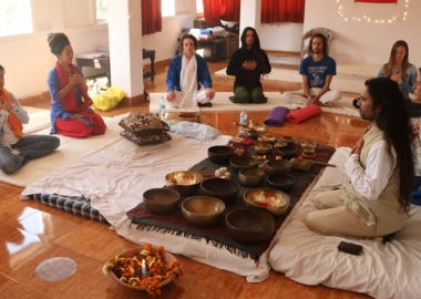 How to Open group sound healing concert with Tibetan Singing Bowls