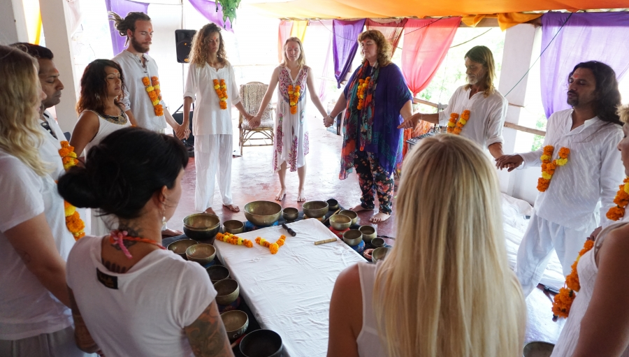 tibetan singing bowls therapy group healing with Shiva Girish