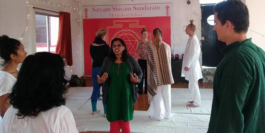 Mindfulness meditation training with shiva girish