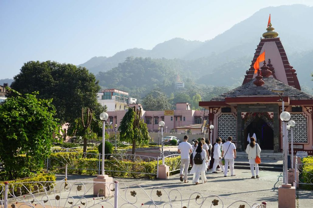 200 Hours Yoga Alliance Certified Meditation Teacher training in Ram Jhula Rishikesh India